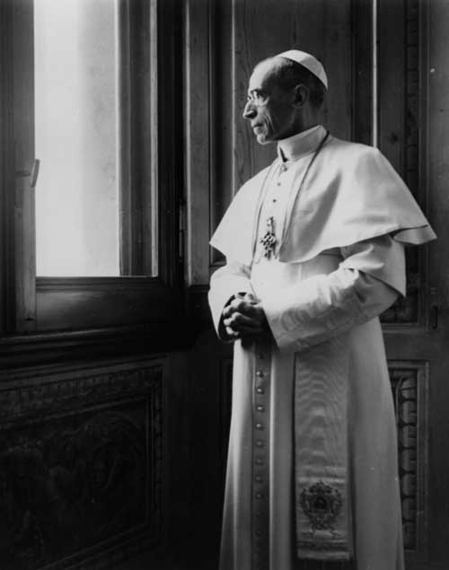 """""""Christian families in the heart of Rome accepted Jews. Jews were even housed in make-shift dormitories at Castel Gandolfo."""""""