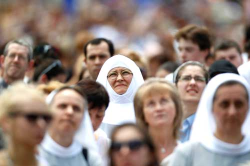 Nuns look on as Pope Benedict leads the Angelus at the Vatican. (Photo: Max Rossi, Reuters/CNS)