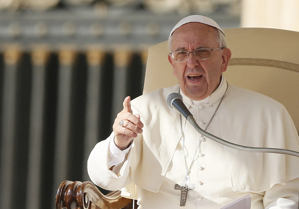Pope makes point as he leads general audience in St. Peter's Square at Vatican