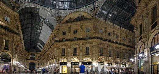 Nuns walk through Galleria Vittorio Emanuele II in Milan. (Photo: Gianfranco Debei)