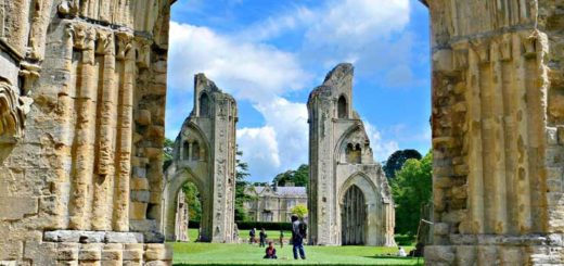 The ancient Glastonbury Abbey, once one of the most powerful monasteries in England. Glastonbury has a rich Christian history, but is also home to sects and cults such as the International Order for Krishna Consciousness and the Ancient Order of Druids (Photo:Wieslaw Majczuk)