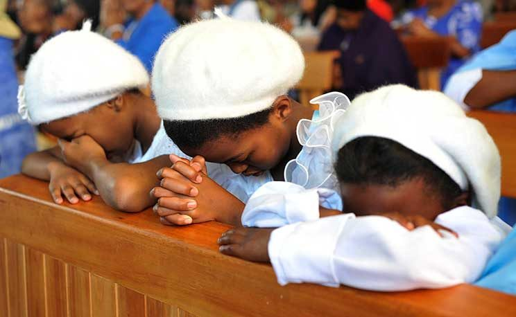 5 Simple Tips for Teaching Children to Pray